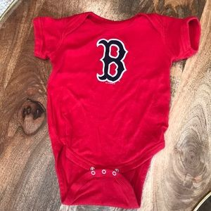 Boston Red Sox snap onesie (never worn) 18M ⚾️